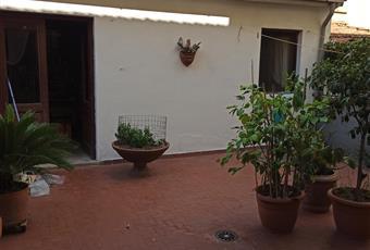 giardino con stanze annesse magazzino lavanderia Toscana PO Prato