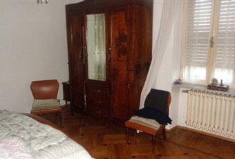 Il pavimento è di parquet, la camera è luminosa Piemonte CN Villar San Costanzo