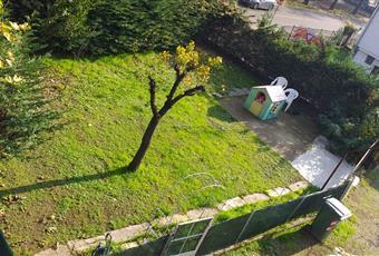 Il giardino è molto comodo, specie per i bambini. Vi è anche il posto auto. Il giardino è privato Piemonte AL Novi ligure