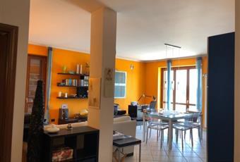 Il pavimento è piastrellato, la cucina è luminosa Piemonte TO Strambino