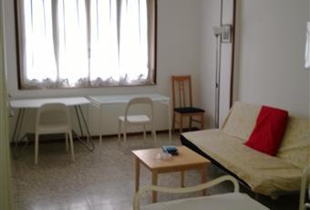 Il pavimento è di parquet, il salone è luminoso Lombardia PV Pavia