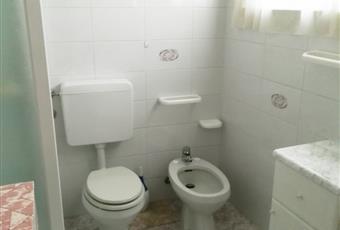 Il bagno è luminoso, il pavimento è piastrellato Lombardia BS Zone