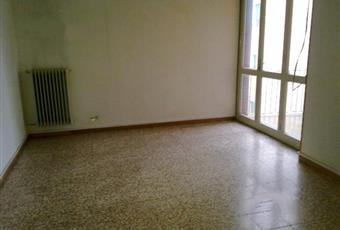 80mq 2 camere cucina abitabile e bagno