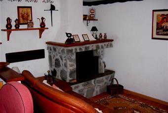 Il salone è con camino Toscana MS Zeri