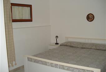 Il pavimento è piastrellato, la camera è luminosa Puglia FG Vico del Gargano