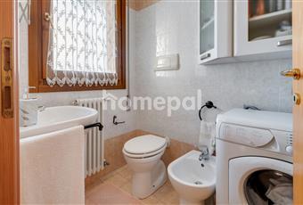 Bagno piastrellato con finestra Veneto PD Montegrotto Terme