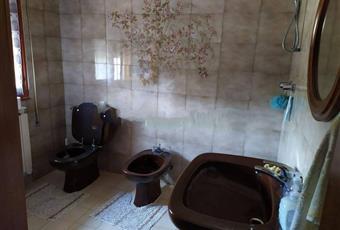 Il pavimento è piastrellato, il bagno è luminoso Veneto RO Loreo