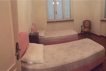 Il pavimento è di parquet, la camera è luminosa Toscana LU Camaiore