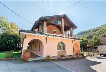 Splendida villa bifamiliare  Piemonte TO Coazze