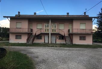 Casa agricola, magazzini,terreno