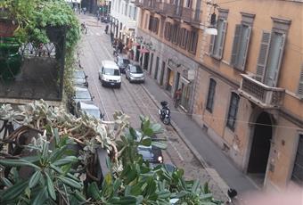 Elegante terrazzino su Via dell'Orso, tipica via del centro della Milano vecchia. Lombardia MI Milano