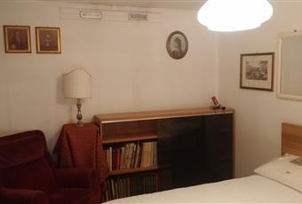 La stanza matrimoniale gode della luce e della vista su tutto l'ambiente Lombardia MI Milano