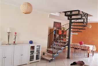 Il salone è luminoso, il pavimento è piastrellato Campania BN Airola