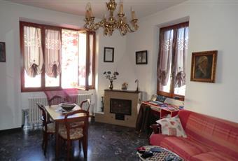Il pavimento è piastrellato, il salone è con camino, il salone è luminoso, la camera è luminosa Piemonte AL Silvano D'orba