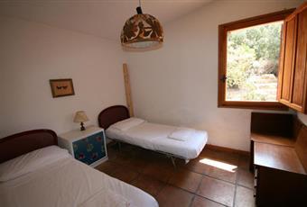 La camera è luminosa, il pavimento è piastrellato Sardegna CA Maracalagonis