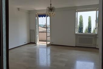 Appartamento al secondo e ultimo piano  possibilità di ricavare 3 camere da letto