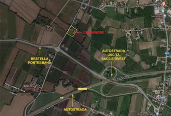 Capannone uso magazzino sfruttabile da 150 mq a 270 mq con eventuali zone per uffici per ulteriori 170 mq su 2 piani. Spazio attorno al capannone per 6 mt di larghezza per tutto il perimetro. Altezza sfruttabile 6 mt con 2 grandi entrate. 3 entrate separate dalla strada. Ulteriori 3.000 mq di zona verde da utilizzare per parcheggio o altro. Ubicato a circa 0,5 km dall'uscita Autostrada Sacile Oves Friuli-Venezia Giulia PN Sacile