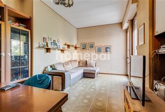 Trilocale luminoso con balcone per ogni stanza | Monza
