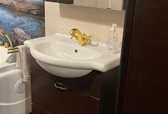Il bagno è con  Lombardia BS Montichiari