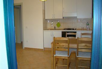 Il pavimento è piastrellato. Le altra due cucine sono identiche, cambia solo il piano (1° e 2°) Sardegna SS Valledoria