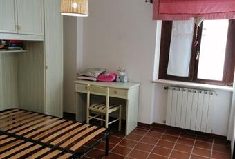 La cucina è luminosa, la camera è luminosa, il pavimento è piastrellato Abruzzo AQ Opi