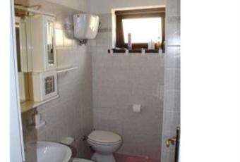 Il bagno è luminoso, il pavimento è piastrellato Calabria VV Ricadi