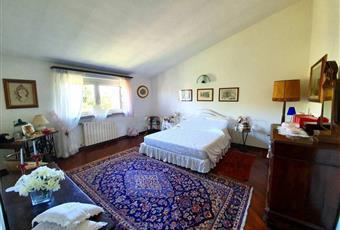 La camera è luminosa, il pavimento è di parquet Lombardia LO Borghetto Lodigiano