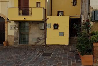 Facciata con ingresso Abruzzo PE Loreto Aprutino