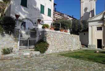 Caratteristica villa ligure d'epoca   Piazza S. Lorenzo