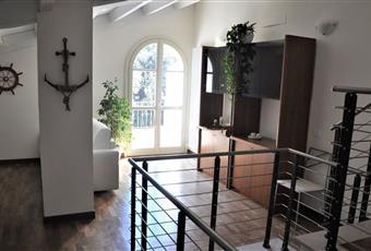 Il pavimento è piastrellato, il pavimento è di parquet, il salone è luminoso Toscana MS Massa