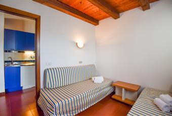 Il pavimento è piastrellato, la camera è luminosa Sardegna OT Olbia