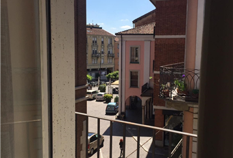 Splendida vista su piazza statuto. Piemonte AT Asti