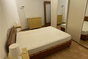 Camera matrimoniale con armadio a cinque ante scorrevoli, cassettiera e comodini Emilia-Romagna FE Bondeno