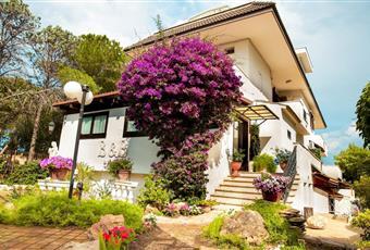 Splendita villa con piscina in vendita 60000€