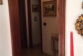 camera da letto con porta finestra sul balcone. Luminosa.  Liguria GE Genova