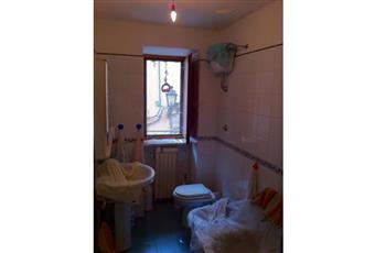 Il pavimento è piastrellato, il salone è luminoso, il bagno è luminoso Campania AV Pietrastornina