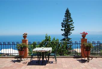 Il pavimento è piastrellato Sicilia ME Gioiosa Marea