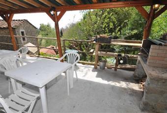 uso dell'area barbecue coperta (almeno 30 posti), uso della piscina all'aperto stagionale, biancheria  Toscana LU Pescaglia