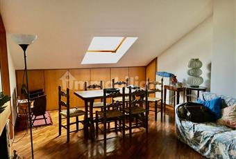 Il salone è con soffitto alto, il pavimento è di parquet, molto luminoso, camino funzionante, soffitto a volta Campania BN Benevento