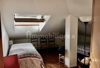 Camera da letto per i ragazzi, Il pavimento è di parquet, molto luminosa Campania BN Benevento