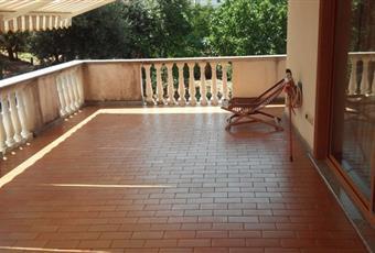 Il pavimento è piastrellato Lazio LT Lenola