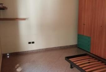 Il pavimento è piastrellato, la camera è luminosa Puglia BR San Pietro Vernotico