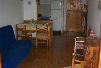 Il salone è luminoso, il pavimento è di parquet Emilia-Romagna MO Montese