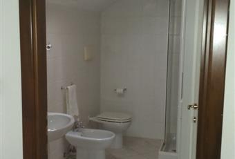 Il pavimento è piastrellato, il bagno è luminoso Abruzzo CH Chieti