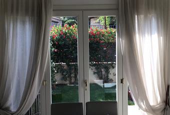 Il salone è luminoso, il salone è con porta finestra Lazio RM Marino