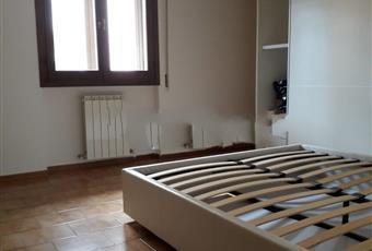 Il pavimento è piastrellato, la camera è luminosa Toscana PO Montemurlo