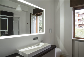 Bagno con doccia spaziosissima molto luminoso Calabria CS Castrolibero