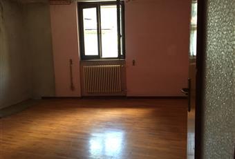 Vendo casa su tre piani + terrazzo panoramico + semiterrato