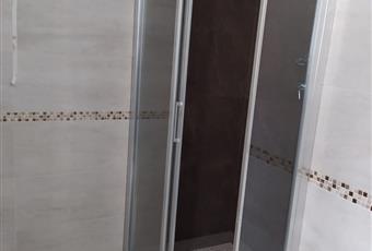 Il pavimento è piastrellato, la doccia è piastrellata con lastre di kerlite per una facile pulizia Piemonte AL Viguzzolo