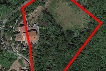 Splendida villa libera su 3 lati, in collina